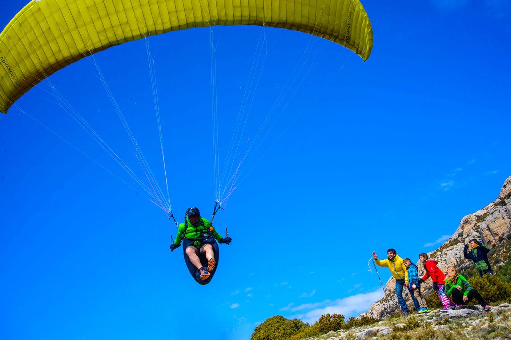 flywithxirli paragliding barcelona