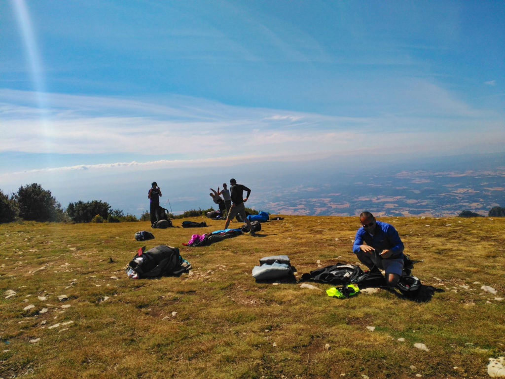 fly with xirli guiding paragliding pilots 25