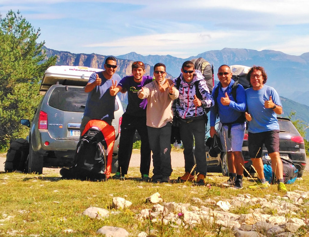 fly with xirli guiding paragliding pilots 28