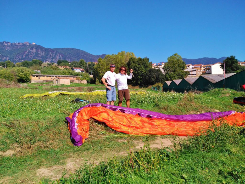 fly with xirli guiding paragliding pilots 31