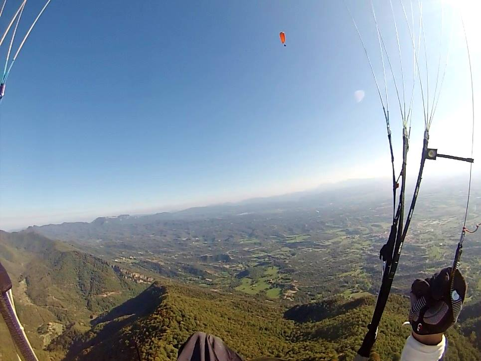 fly with xirli guiding paragliding pilots 34