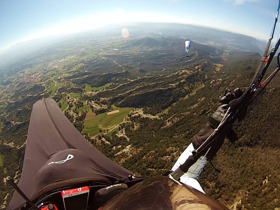 fly with xirli guiding paragliding pilots 6