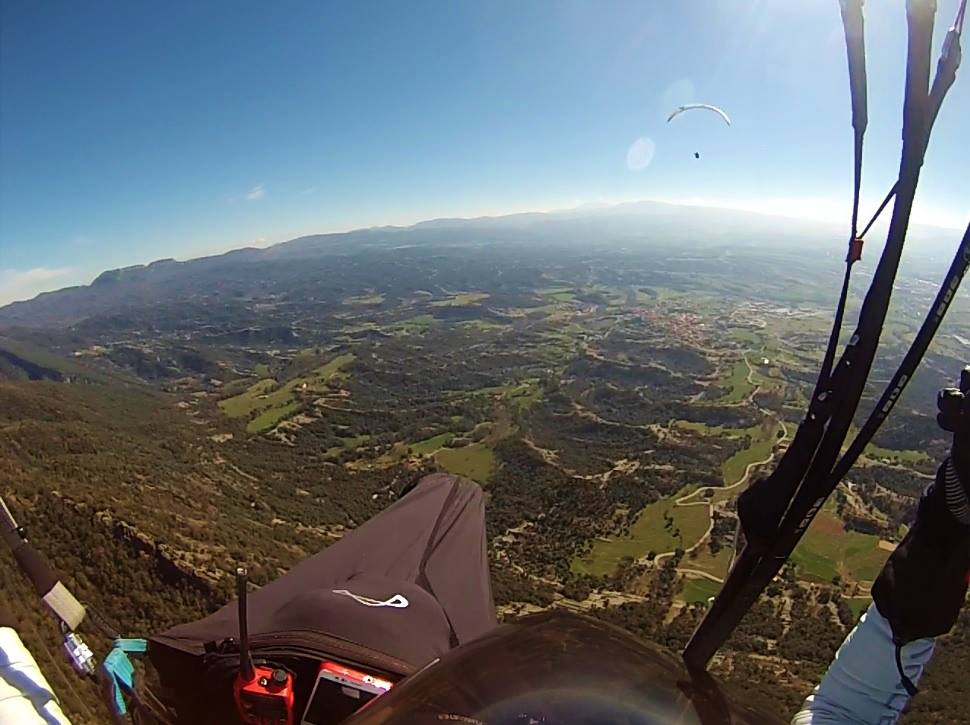 fly with xirli guiding paragliding pilots 8