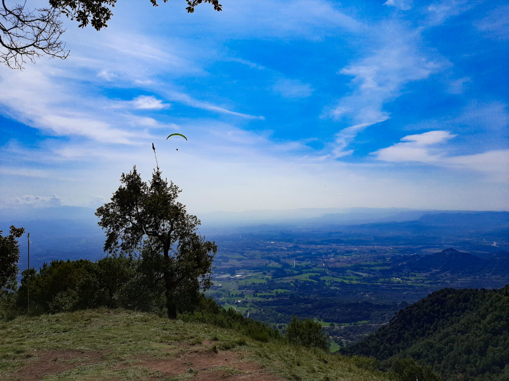 bellmunt 51 fly with xirli paragliding barcelona