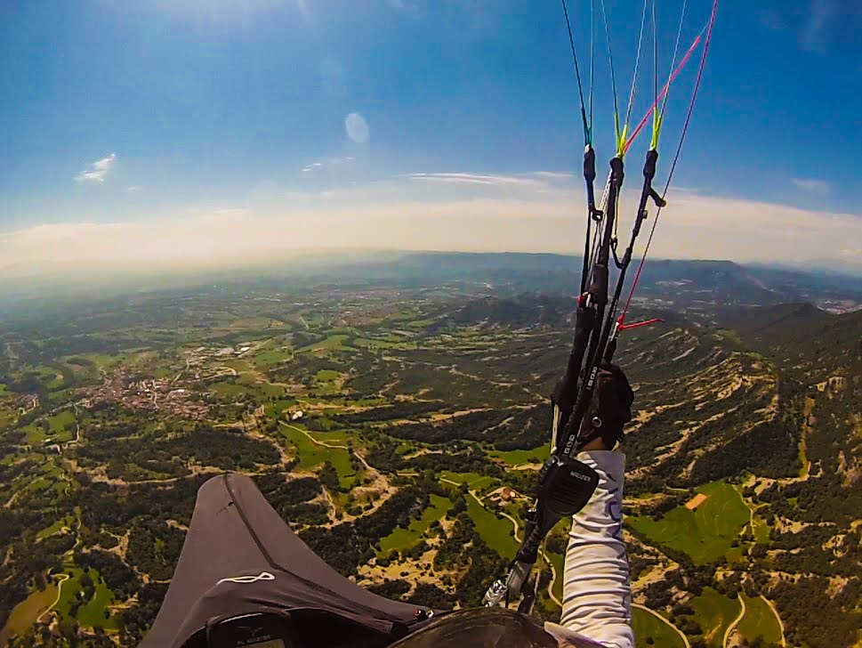 fly with xirli guiding paragliding pilots 37