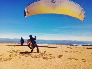 Paragliding guide fly with xirli