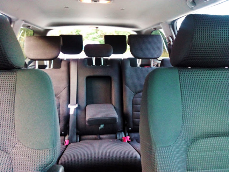 FLY WITH XIRLI car 7 seats