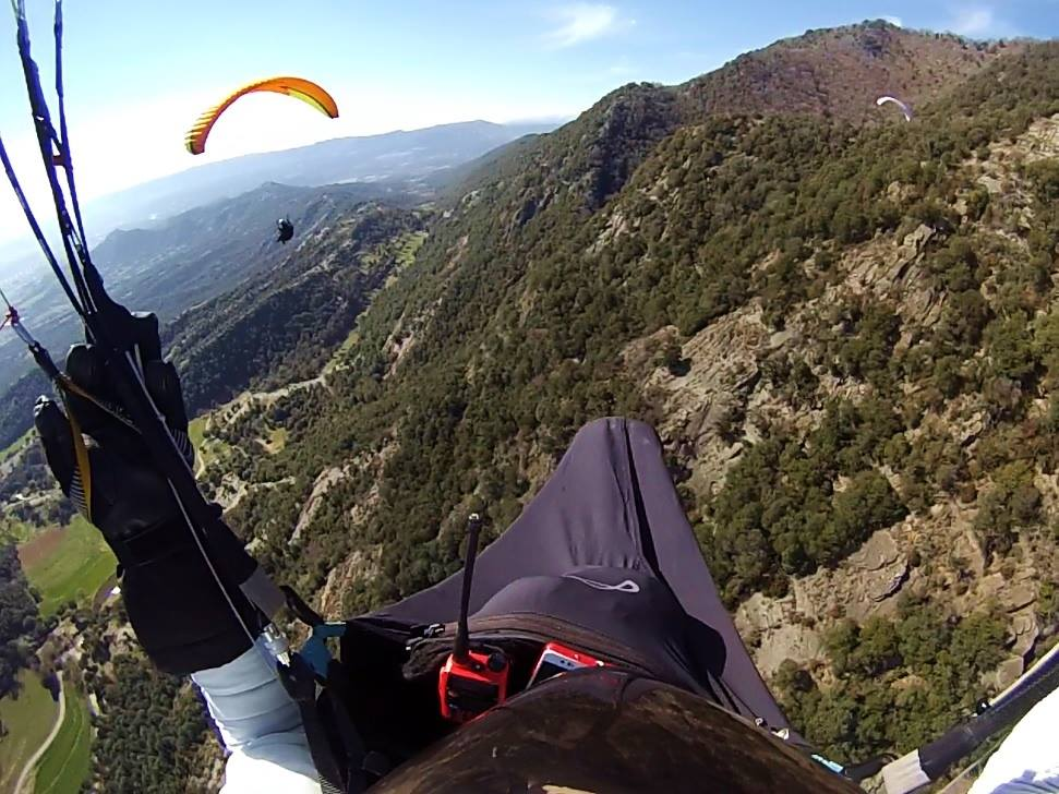 fly with xirli guiding paragliding pilots 10