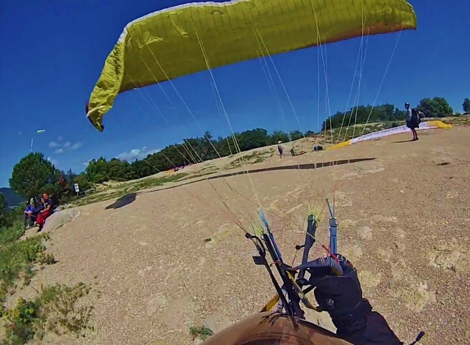 fly with xirli paragliding guiding pilots 85