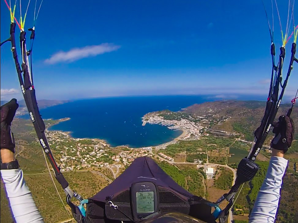 fly with xirli guiding paragliding pilots 9