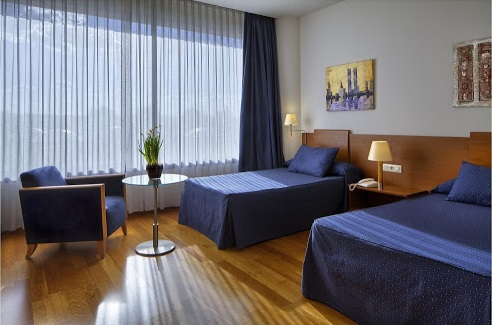 Hotel room fly with xirli paragliding barcelona