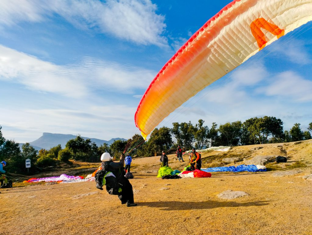 fly with xirli guiding paragliding pilots 94