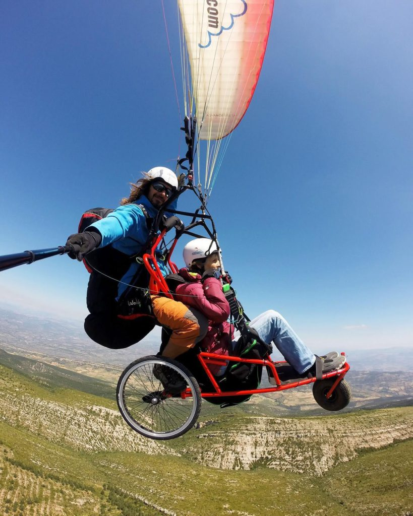 Fly with xirli adapted paragliding tandem