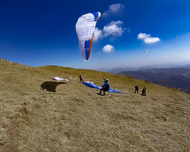 Fly with xirli paraglding guiding pilots 09
