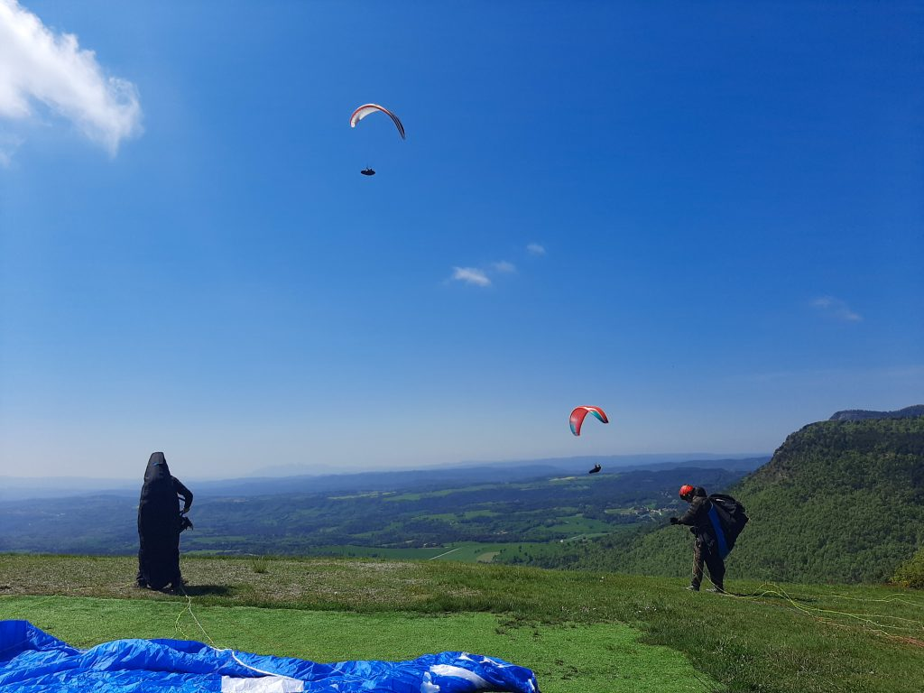 Fly with xirli paraglding guiding pilots 02
