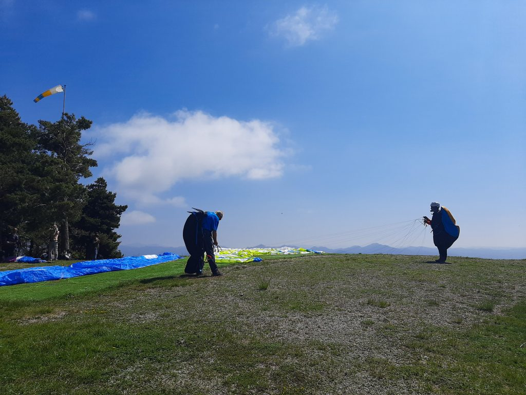 Fly with xirli paraglding guiding pilots 11