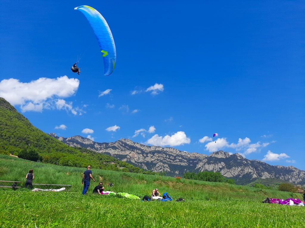 Fly with xirli paraglding guiding pilots 12