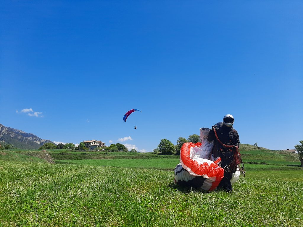 Fly with xirli paraglding guiding pilots 16
